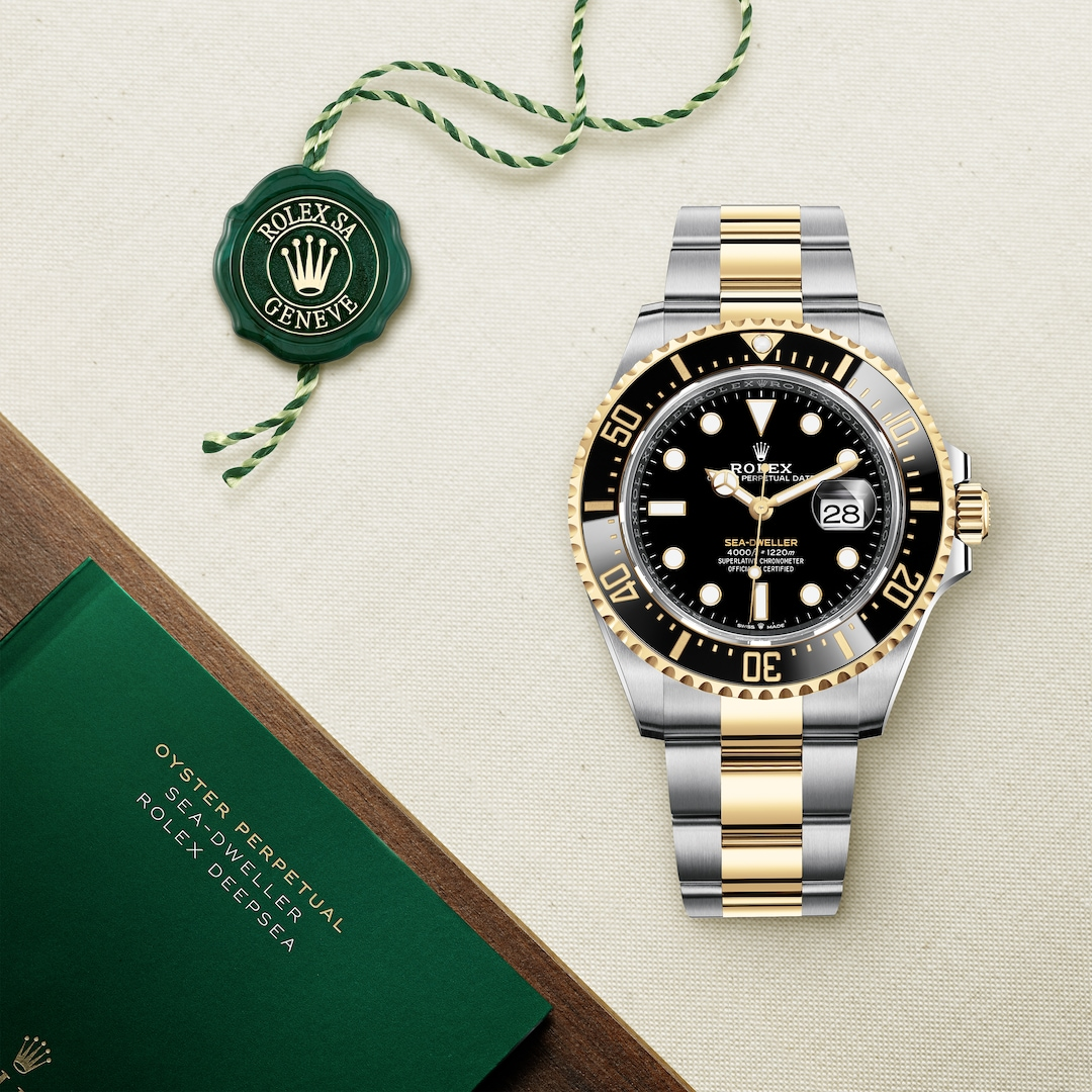 Rolex Oyster Perpetual Sea Dweller in yellow Rolesor